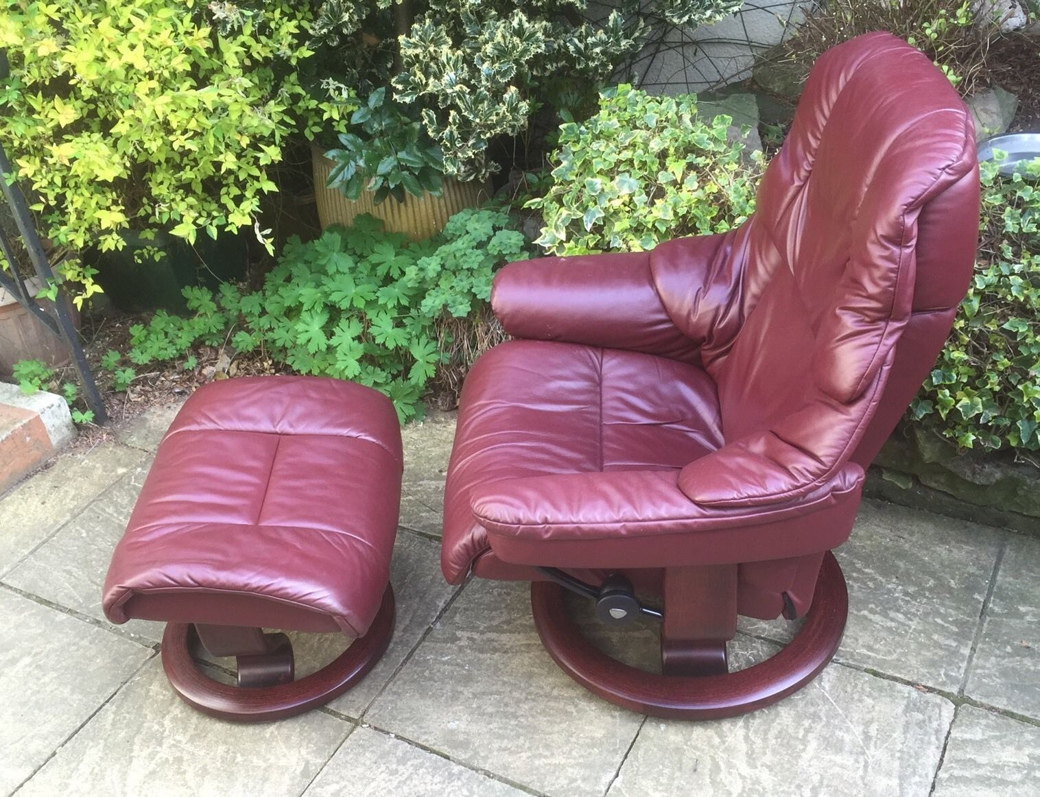 EKORNESS STRESSLESS MODERN LARGE ARMCHAIR STOOL DELIVERY AVAILABLE