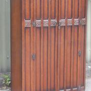 FINE-ARTS-CRAFTS-2-DOOR-OAK-HALL-WARDROBE-2-MAN-DELIVERY-AVAILABLE-302269273939-5