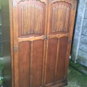 FINE-ARTS-CRAFTS-2-DOOR-OAK-HALL-WARDROBE-2-MAN-DELIVERY-AVAILABLE-302285551957-2