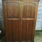 FINE-ARTS-CRAFTS-2-DOOR-OAK-HALL-WARDROBE-2-MAN-DELIVERY-AVAILABLE-302285551957-9