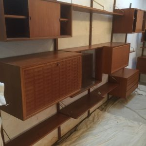 FINE-LARGE-TEAK-DANISH-CADO-FLOATING-SHELVINGDISPLAY-STAND-UP-TO-4-BAYS-302263180632