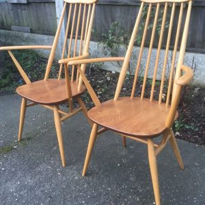FINE-PAIR-OF-ERCOL-GOLDSMITH-ARMCHAIRS-VERY-CLEAN-CONDITION-CHEAP-DELIVERY-292072723614