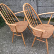 FINE-PAIR-OF-ERCOL-QUAKER-ARMCHAIRS-VERY-CLEAN-CONDITION-DELIVERY-AVAILABLE-292072723052-9
