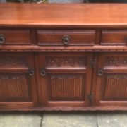 LARGE-OAK-OLD-CHARM-3-DOOR-HERTFORD-SIDEBOARD-CLEAN-CONDITION-2-MAN-DELIVERY-302263267000-2