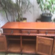 LARGE-OAK-OLD-CHARM-3-DOOR-HERTFORD-SIDEBOARD-CLEAN-CONDITION-2-MAN-DELIVERY-302263267000-6