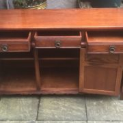 LARGE-OAK-OLD-CHARM-3-DOOR-HERTFORD-SIDEBOARD-CLEAN-CONDITION-2-MAN-DELIVERY-302263267000-7