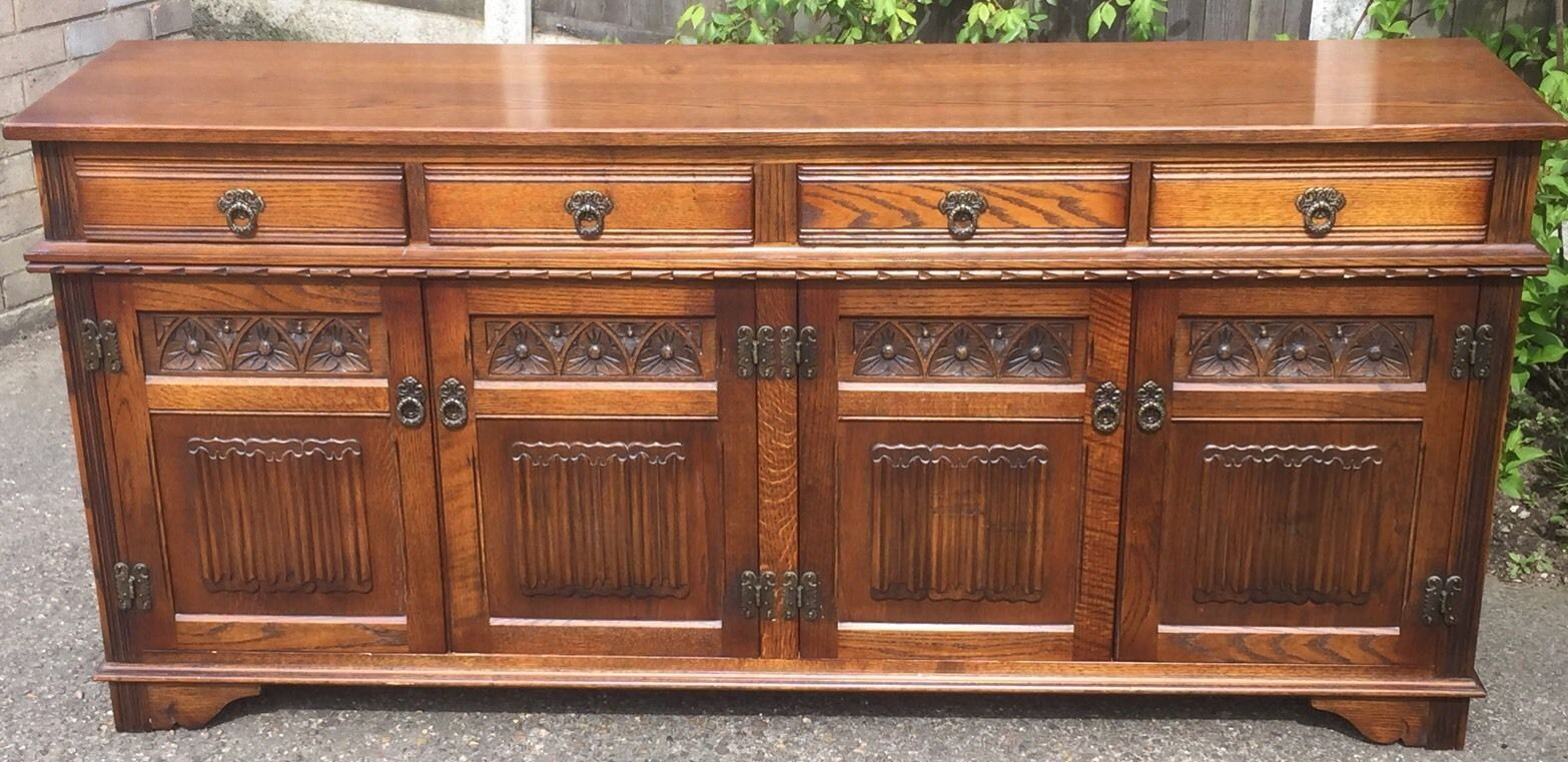 LARGE OAK OLD CHARM 4 DOOR HERTFORD SIDEBOARD
