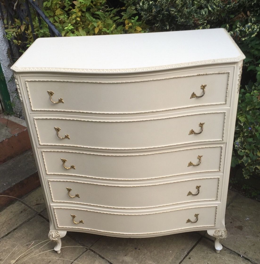 superb french style shabby chic bowfront chest of drawers water wheel furnishings. Black Bedroom Furniture Sets. Home Design Ideas