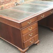 SUPERB-LARGE-VINTAGE-OAK-PARTNERS-DESK-FAB-CONDITION-2-MAN-DELIVERY-AVAILABLE-302263525627-10