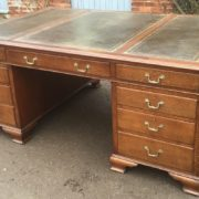 SUPERB-LARGE-VINTAGE-OAK-PARTNERS-DESK-FAB-CONDITION-2-MAN-DELIVERY-AVAILABLE-302263525627