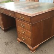 SUPERB-LARGE-VINTAGE-OAK-PARTNERS-DESK-FAB-CONDITION-2-MAN-DELIVERY-AVAILABLE-302263525627-2