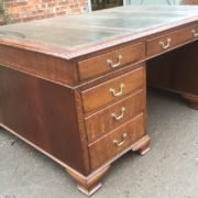 SUPERB-LARGE-VINTAGE-OAK-PARTNERS-DESK-FAB-CONDITION-2-MAN-DELIVERY-AVAILABLE-302263525627-3