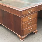 SUPERB-LARGE-VINTAGE-OAK-PARTNERS-DESK-FAB-CONDITION-2-MAN-DELIVERY-AVAILABLE-302263525627-9