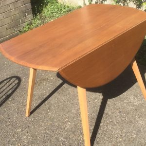 SUPERB-RETRO-ERCOL-EXTENDING-DINING-TABLE-VERY-CLEAN-DELIVERY-AVAILABLE-302272173789