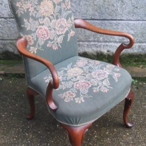 SUPERB-VICTORIAN-WALNUT-TAPESTRY-ARMCHAIR-VERY-CLEAN-DELIVERY-AVAILABLE-292072722427