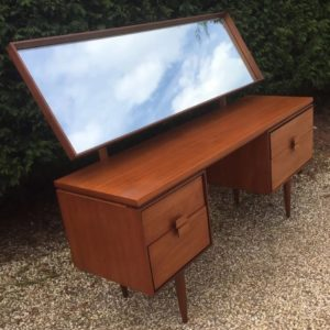 VERY-RARE-RETRO-TEAK-KOFOD-LARSEN-DRESSING-TABLE-FAB-CONDITION-WE-DELIVER-292082239409